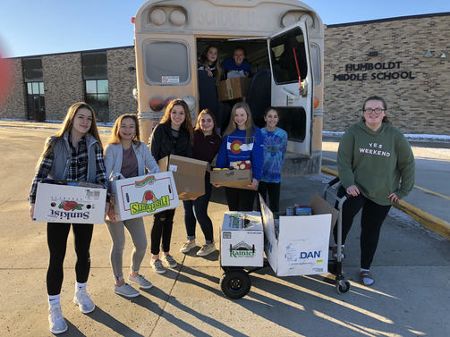 FCCLA Students deliver to the Food Bank